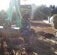 travaux de terrassement à la pelle mécanique